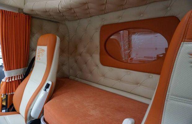 Kamion belső felújítás műbőrrel 503cb44e28