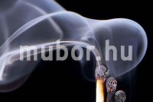 b1 műbőr lángálló gyufa füsttel